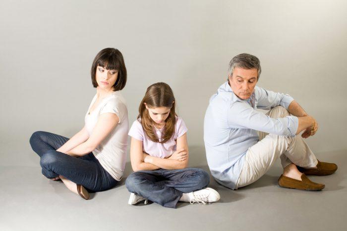 дети остаются на фамилии отца