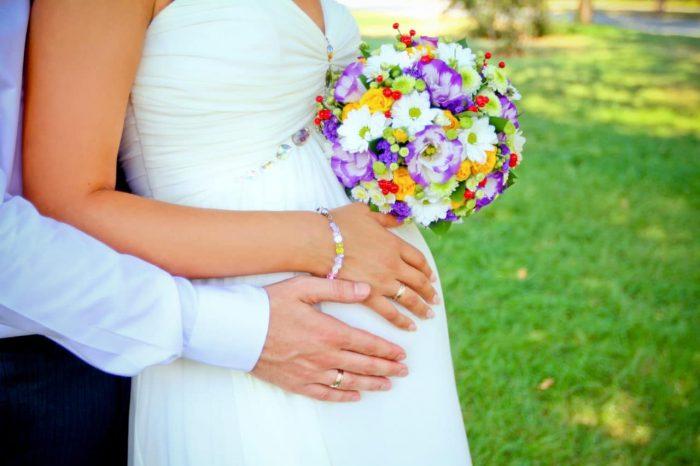 вступление в брак несовершеннолетних