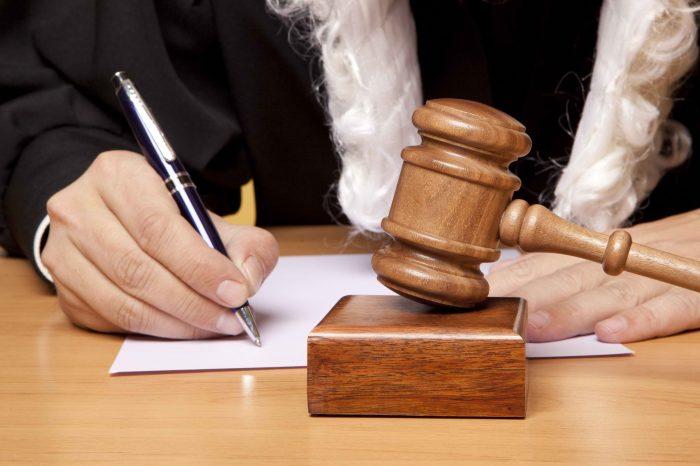 обращаться в суд другой страны