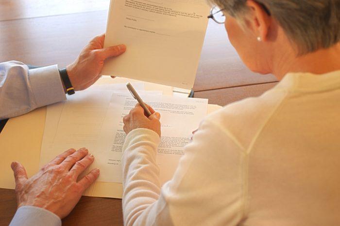 Оформление земельного пая в собственность по наследству в 2019 году: через суд, какие нужны документы, госпошлина, по закону и завещанию