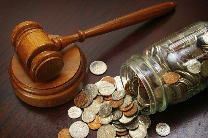 судья может уменьшить размер возмещения