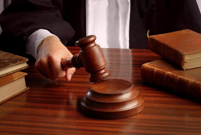 оспорить завещание в суде